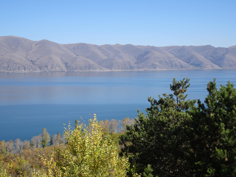 Am Sewan-See, doppelt so groß wie der Bodensee