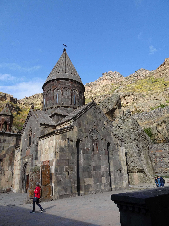 Kloster Geghard ist sehr eindrucksvoll, vor allem wenn dazu noch ein Chor sakrale Musik vorträgt.