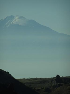 Fahrt nach Norden, in die Region des Aragaz.