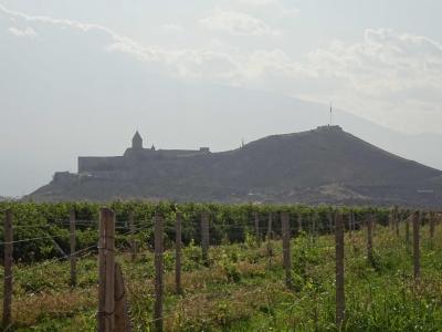 Kloster Chor Wirab im Westen, an der Grenze zur Türkei.