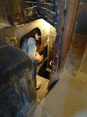 Die Grube, in der Gregor der Erleuchter 13 Jahre gefangen gehalten wurde, bis er den König heilte, der dann Armenien zum ersten christlichen Staat der Welt machte.