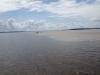 Encontro das Aguas (Treffen der Wasser) Zusammenfluss von Rio Negro und Rio Solimoes, der ab hier Amazonas genannt wird.