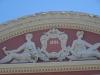 Das Opernhaus ist in einem denkwürdigen Jahr gebaut worden....