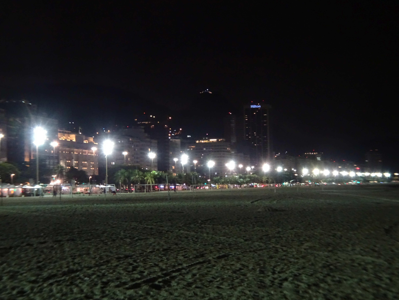 Ein später Bummel an die Copacabana, an der unser Hotel liegt.