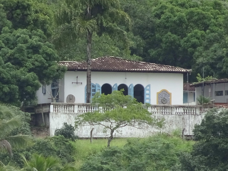 Wohnhaus und Atelier von Hansen Bahia, auf der anderen Seite des Rio Paraguaçu