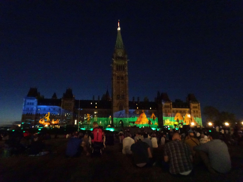 Jeden Abend gibt es eine tolle light-show zur Geschichte des Landes.
