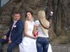 Posen für's Hochzeitsphoto...so ganz glücklich sehen sie nicht aus....